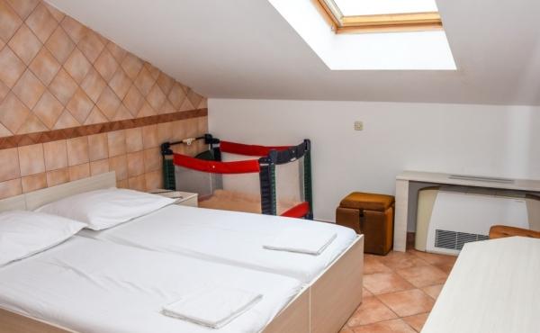 hotel-frane-pag-sobe-4209