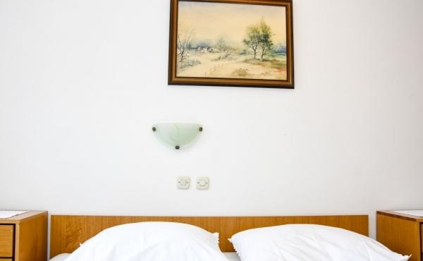 hotel-frane-pag-sobe-4361